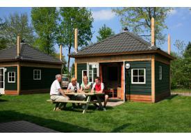 Hooiberghut / Woodlodge / Camping / Trekkershut / de Weyert.