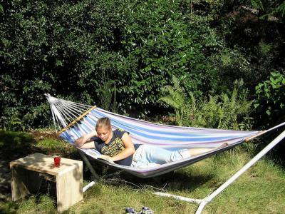 relaxen in de tuin.jpg