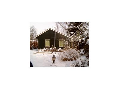 koehuus in de sneeuw.jpg